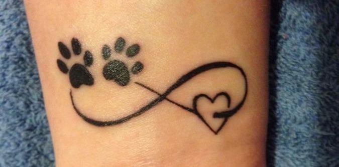tatuagem da pata de cachorro